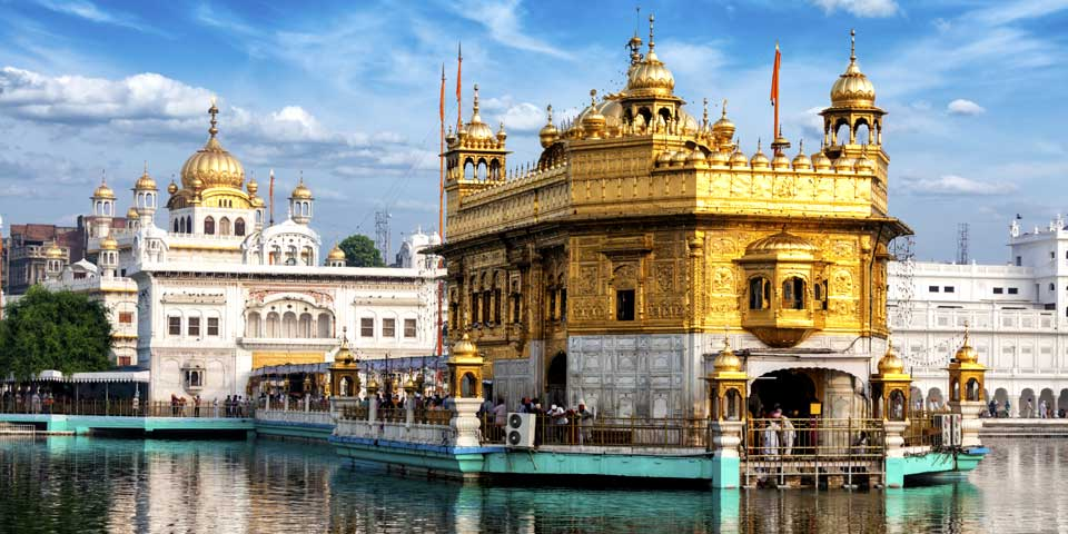 Trip to Golden Temple in Tempo Traveller