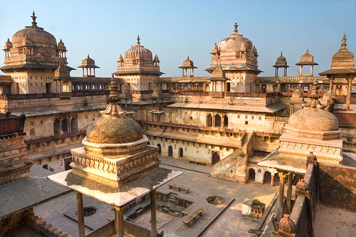 Hire Tempo traveller for Orchha