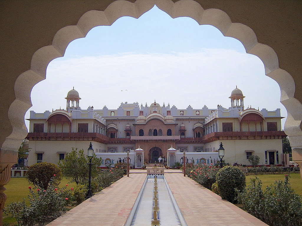 Rajasthan Tour by Luxury Vehicle