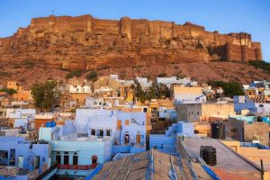 Explore Jodhpur by hiring Tempo traveller for Jodhpur