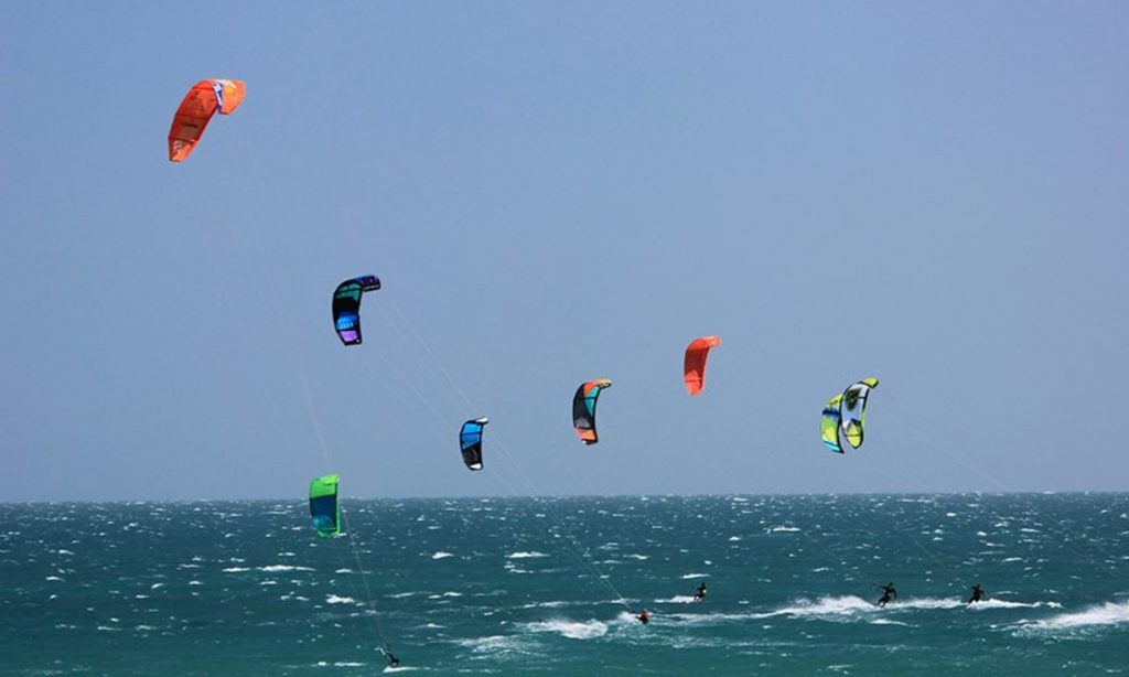 Kite_surfing_Things_to_do_in_goa