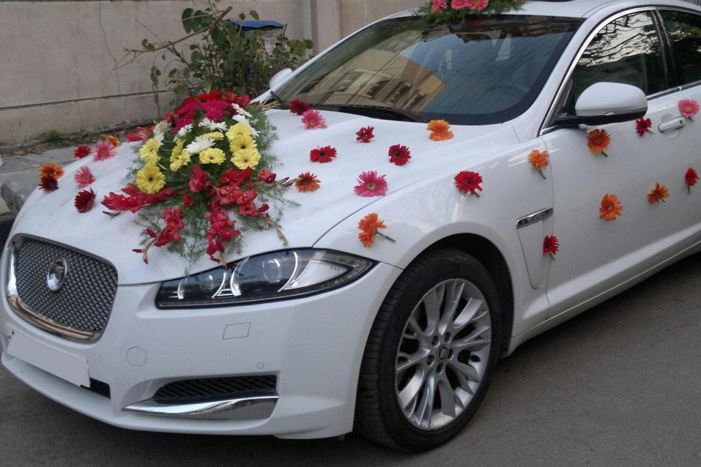 Rent a Luxury Car for a Glamorous Wedding