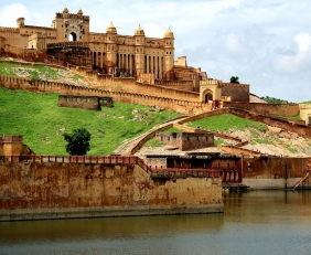 Rajasthan Tour by Tempo Traveller