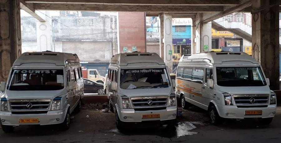 Tempo Traveller Rent in Delhi
