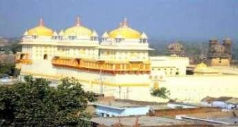 Jhansi Khajuraho Varanasi Tour
